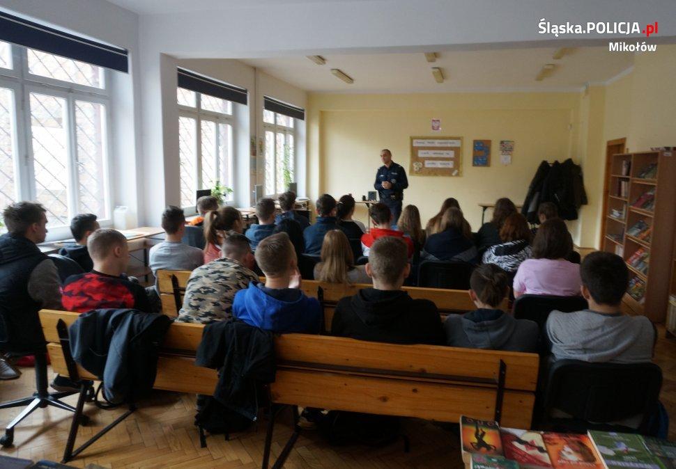 Bezpieczeństwo w sieci i nie tylko - spotkanie z młodzieżą